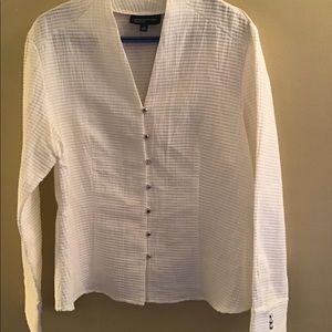 NWT beautiful Jones New York cotton blouse